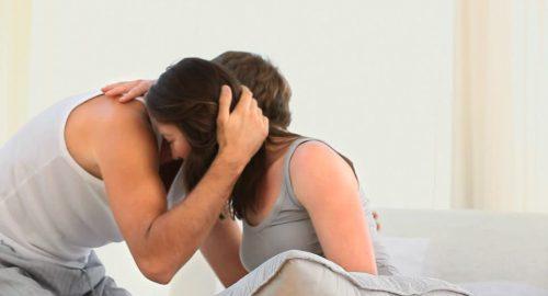 Come aiutare il tuo partner quando è in lutto